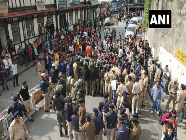 NSUI marched towards the Secretariat in Shimla for demanding revocation or improvement in RUSA system, when the used police forces on them. (Photo/ANI)