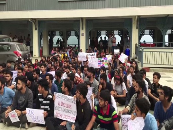 The students of Himachal Pradesh National Law Universty protesting over fee hike. Photo/ANI
