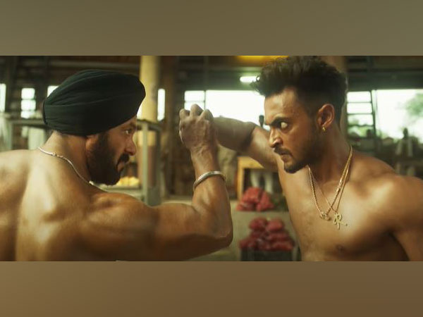 Salman Khan and Aayush Sharma in a still from the teaser of 'Antim' (Image Source: YouTube)