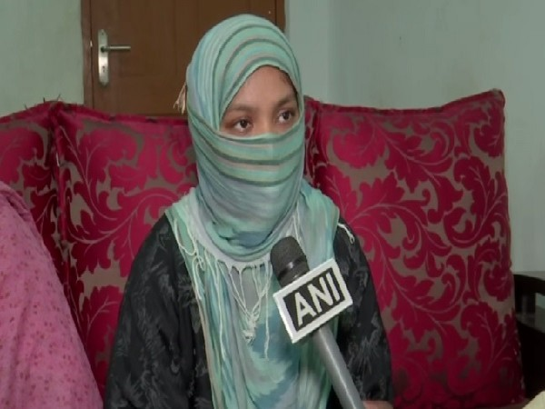 The victim who was rescued from Oman speaking to ANI in Hyderabad, Telangana. Photo/ANI