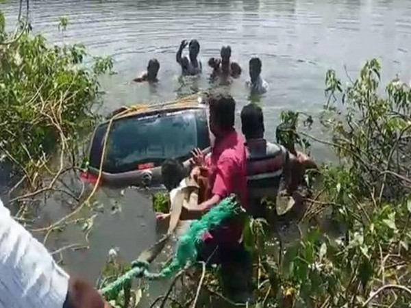 Three dead after car plunges into lake  in Hyderabad. Photo/ANI