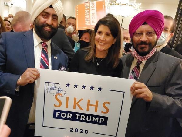 Indian-American Republican politician Nikki Haley (Center)