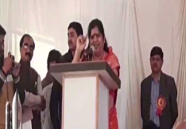 Madhya Pradesh Minister Imarti Devi speaking at an event in Shivpuri on Tuesday. Photo/ANI