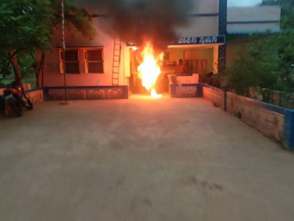 Visual from the spot where man set himself on fire (Photo/ANI)
