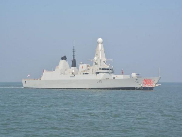 HMS Dragon enters port of Mormugao in Goa. Photo: Defence Ministry of India