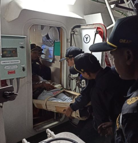 Indian Coast Guard carries out medical evacuation of Myanmar national off Porbandar coast