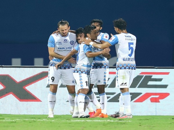 It was a Manvir and Krishna show, keeping their surge for top spot on (Image: ISL)