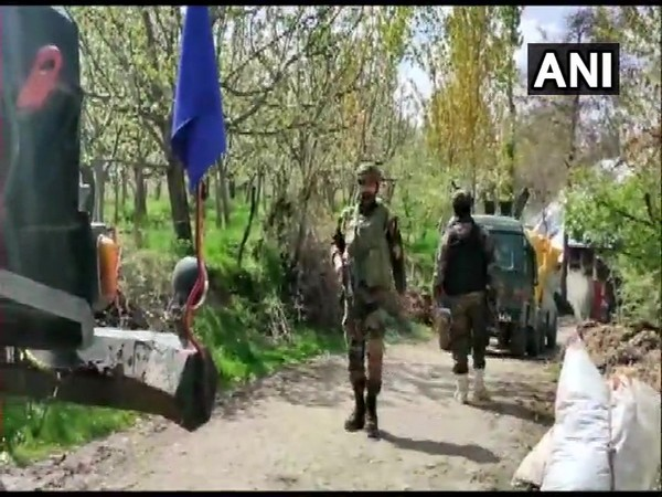 Security personnel in Shopian's Zeipora area on Monday. (Photo/ANI)