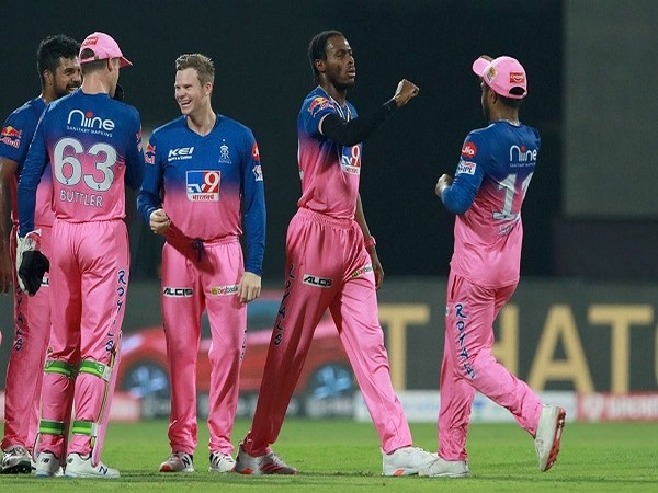 Jofra Archer of Rajasthan Royals celebrates the wicket of Prithvi Shaw (Image: BCCI/IPL)