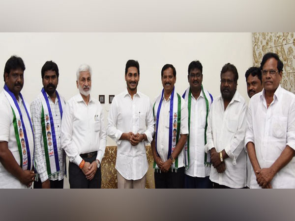 Chief Minister YS Jagan Mohan Reddy with party leaders and newly inducted members