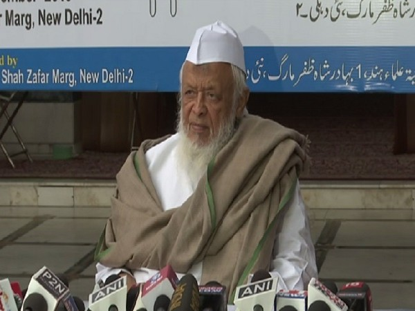 Jamiat Ulema-e-Hind chief Maulana Arshad Madani speaking to media in New Delhi on Monday. Photo/ANI