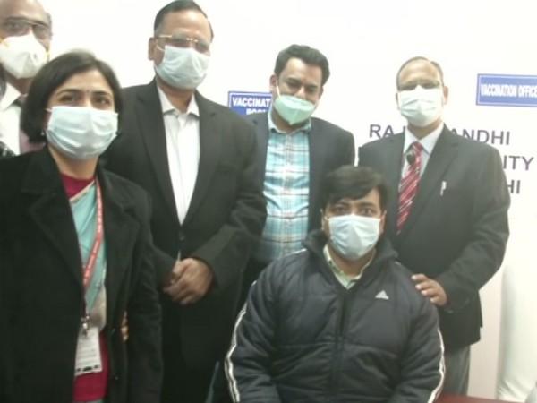 Delhi Health Minister Satyendra Jain on his visit to Rajiv Gandhi Super Specialty Hospital (Photo/ANI)