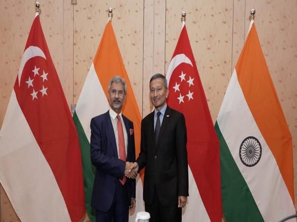 Jaishankar met his Singapore counterpart Vivian Balakrishnan on Monday. (Photo courtesy: Jaishankar twitter handle)