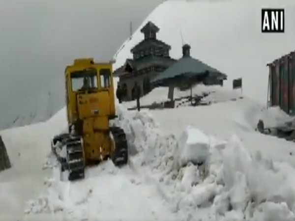 Snow clearance underway on Mughal road near Pir Panjal Mountain Range in Rajouri district.  (Photo/10cric login)