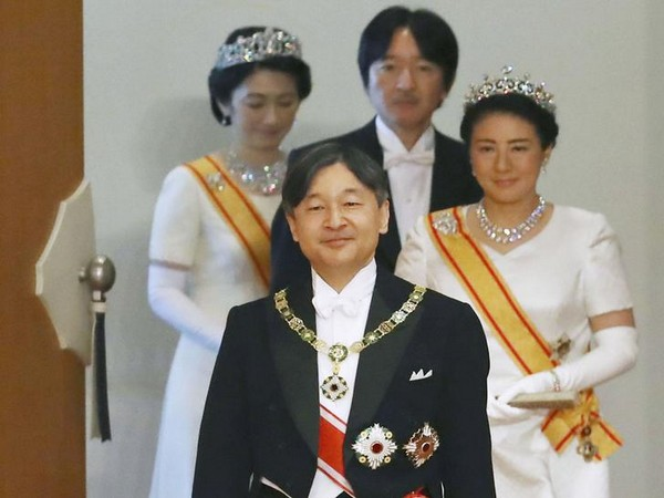 Japan's Emperor Naruhito, Empress Masako, Crown Prince Akishino and Crown Princess Kiko attend a ritual at the Imperial Palace in Tokyo, Japan on May 1 (Photo/ Reuters)