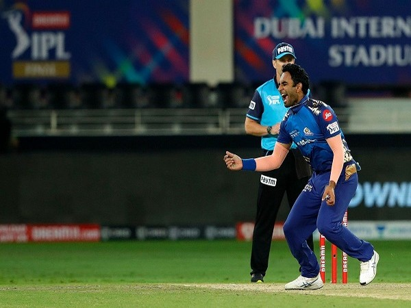 Jayant Yadav picked four wickets to derail the Mumbai batting line-up (Image: BCCI/IPL)