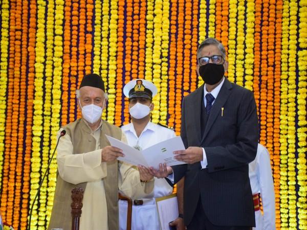 Justice Vidyasagar Kanade sworn in as Maharashtra Lokayukta (Photo/ANI)