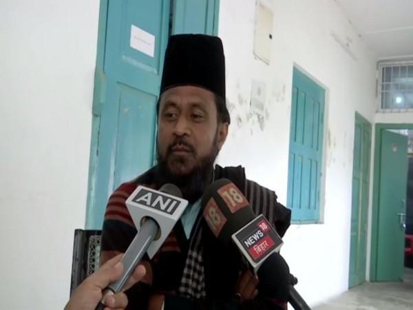 Janata Dal (United) MLC Gulam Rasool Balyawi speaking to reporters in Patna on Saturday.