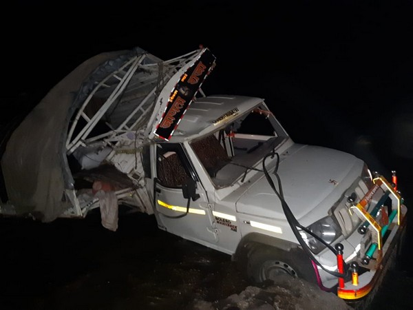 A private vehicle fell off a bridge in Dhule [Photo/ANI]