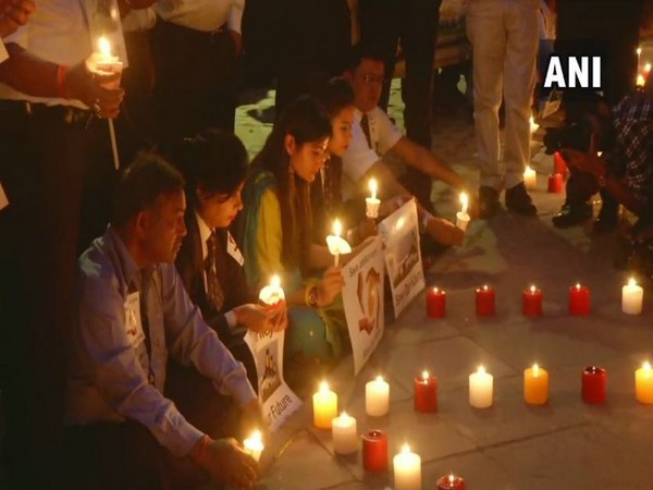 Jet Airways employees held a candle march protest at Jantar Mantar on Saturday. Photo/ANI