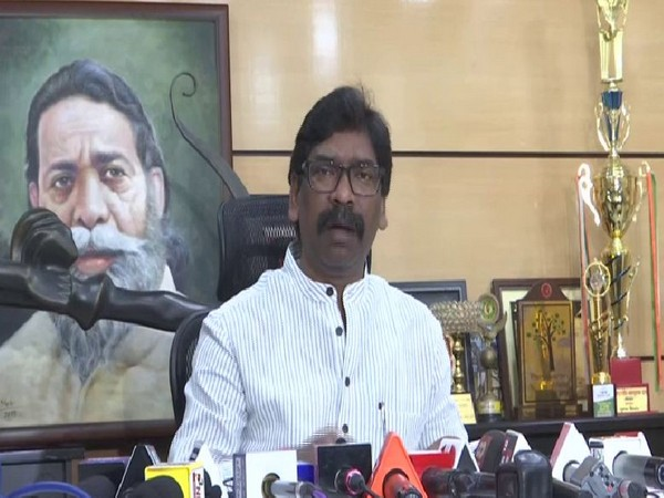 JharkhandMukti Morcha and former Chief Minister Hemant Soren addressing media persons in Ranchi on Sunday. Photo/ANI