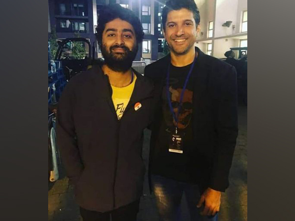 Arijit Singh with Farhan Akhtar (Image Source: Instagram)