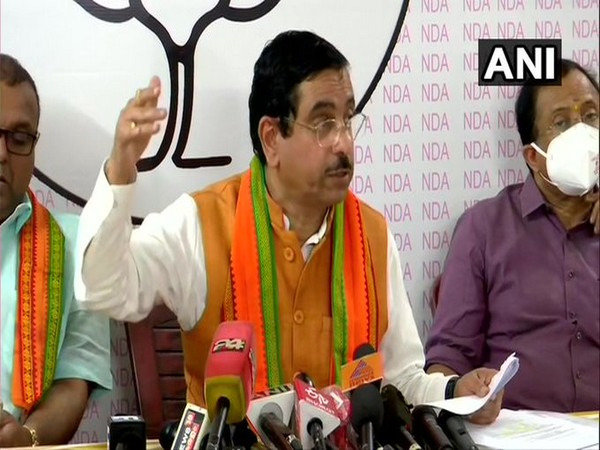 Union Minister Pralhad Joshi and senior BJP leader launched an attack on Congress leader Rahul Gandhi on Monday.