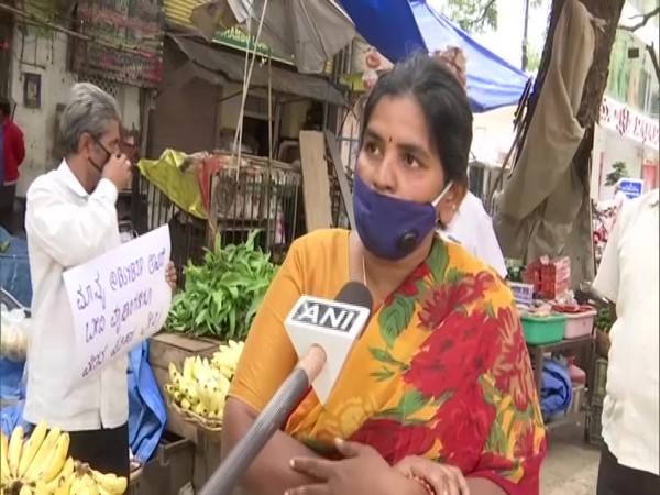 Local vendors are facing tough times due to the lockdown. (Photo/ANI)