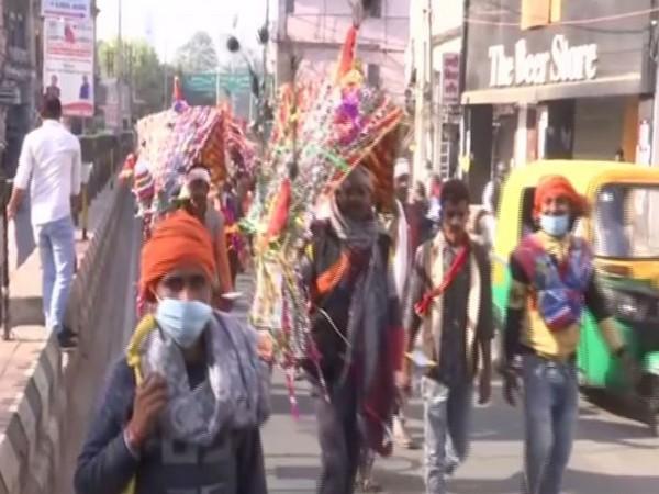 Kanwar Yatra to Lodheshwar Mahadev temple starts in Lucknow. (Photo/ANI)