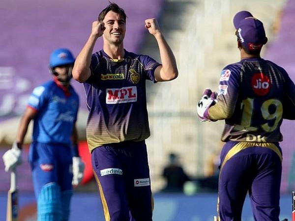 Pat Cummins and wicket-keeper Dinesh Karthik (Image: Dinesh Karthik's Twitter)