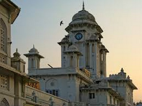 Stalls selling Hyderabad pearls, Charminar bangles and Pochampally Handlooms have been set up on Platform No 1 of the iconic Kacheguda station in Hyderabad