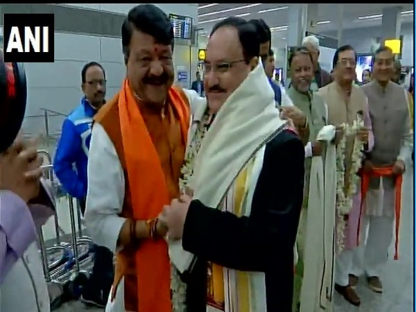 Kailash Vijayvargiya (L) greets JP Nadda at Kolkata airport on Monday [Photo/ANI]