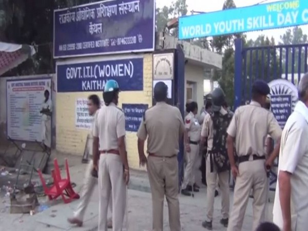 Clashes outside ITI polling booth in Kaithal , Haryana