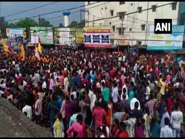 Devotees throng to Devi Manikeshwari temple on the occasion of 'Chhatar jatra' in Kalahandi today. (Photo/ANI)