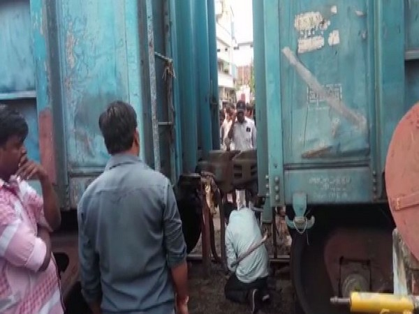 The coupling of a goods train broke at Kanpur Central railway station in Uttar Pradesh on Monday morning. Photo/ANI