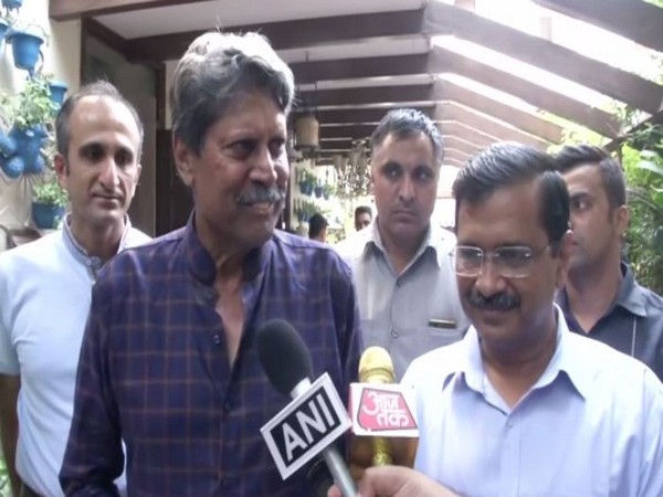 Kapil Dev with Chief Minister Arvind Kejriwal in New Delhi on Sunday. Photo/ANI
