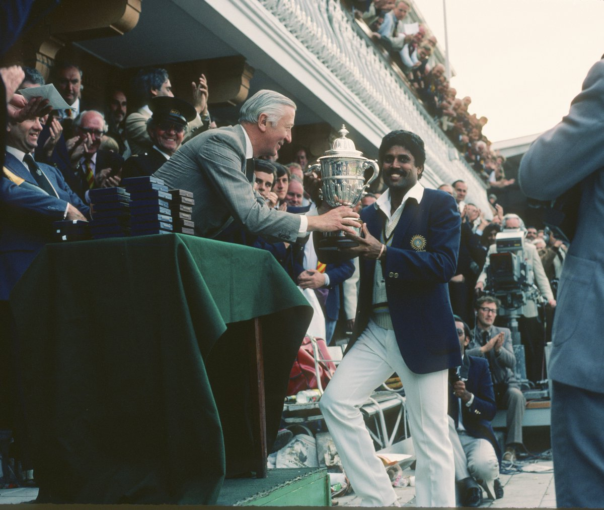 Kapil Dev lifting the World cup trophy in 1983 (Photo/ BCCI Twitter)