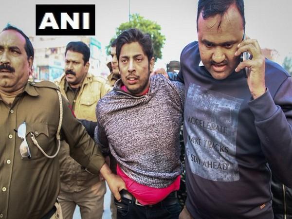 Shaheen Bagh firing accused Kapil Gujjar (middle)