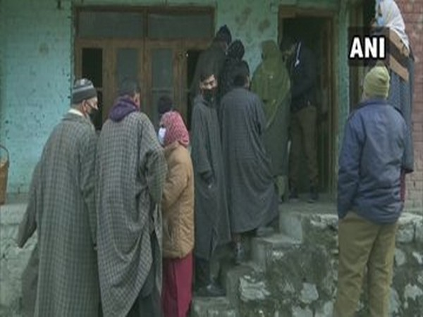 Voting underway at Ganderbal district on Tuesday.