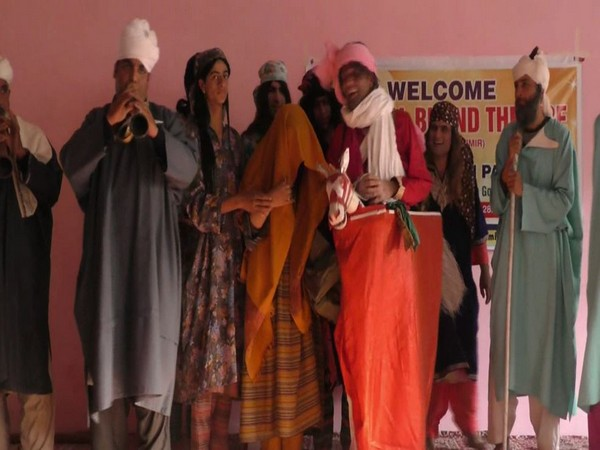 Artists performing a skit at the Gulshan Culture Forum in Baramullah. (Photo/ANI)
