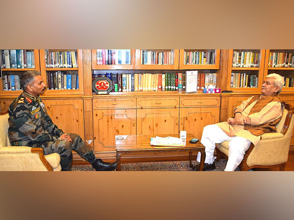 Lieutenant General, DP Pandey with Lieutenant Governor, Manoj Sinha