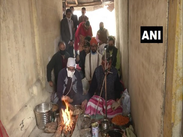 Local Pandits in Jammu and Kashmir performed puja at Sheetal Nath Temple in Srinagar on the occasion of Navreh. (Photo/ANI)