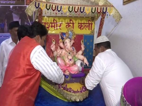 "Ganesha with theme ""Kashmir Ki Kali"" at Worli in Mumbai"