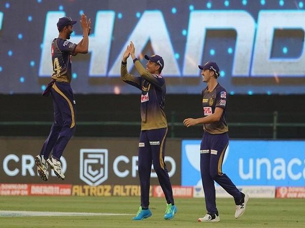 Kolkata Knight Riders players celebrates the wicket of Mandeep Singh (Image: BCCI/IPL)