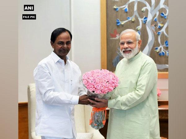 Telangana Chief Minister K Chandrasekhar Rao with Prime Minister Narendra Modi. (File photo)