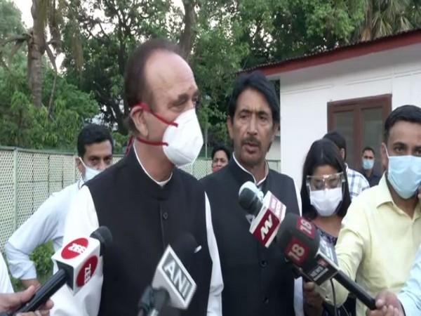 Senior Congress leader Ghulam Nabi Azad (photo/ANI)