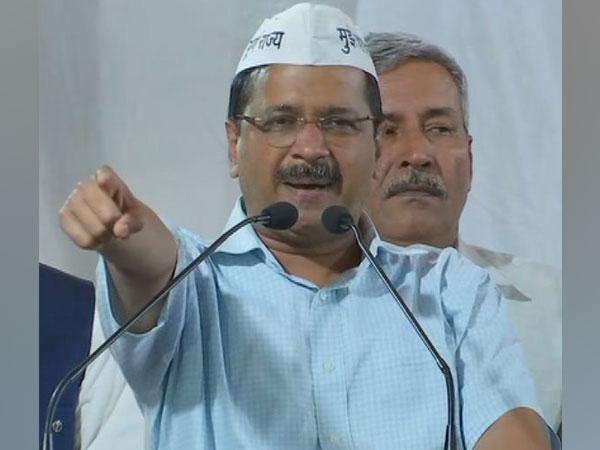 Delhi CM Arvind Kejriwal addressing public gathering at New Delhi on Monday