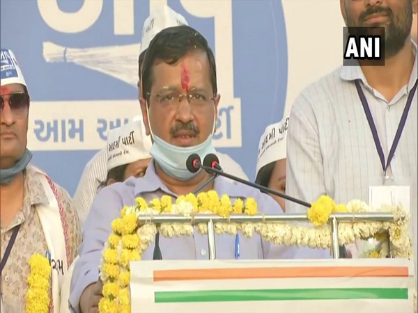 AAP leader Arvind Kejriwal addressing a public rally in Surat (Photo/ ANI)
