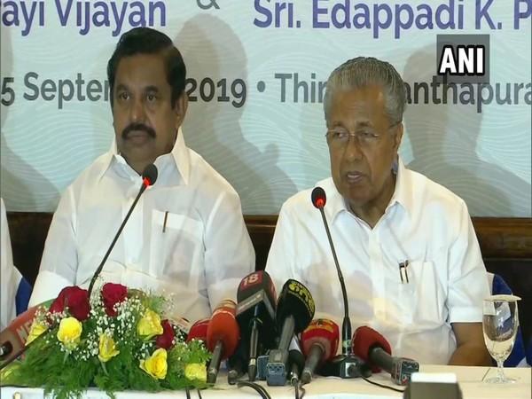 Tamil Nadu Chief Minister Edappadi K Palaniswami and Kerala Chief Minister Pinarayi Vijayan at the press conference in Thiruvananthapuram on Wednesday.