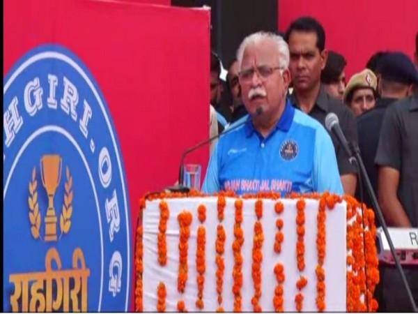 Haryana Chief Minister Manohar Lal Khattar speaks at Hisar Raahgiri event on Sunday. [Photo/ANI]